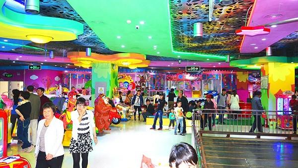 大型室内儿童游乐场